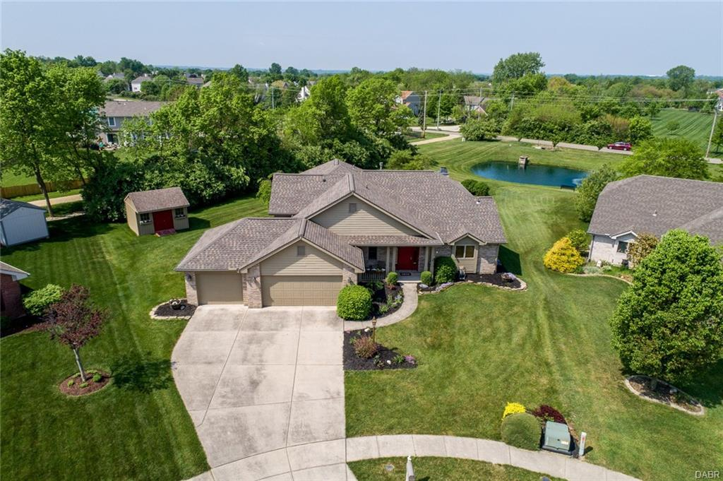 9641 Colchester Ct Clearcreek Township, OH