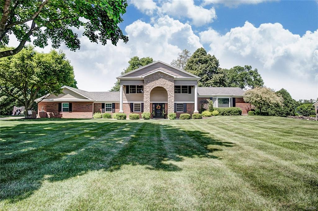 1177 Fairway Dr Troy, OH