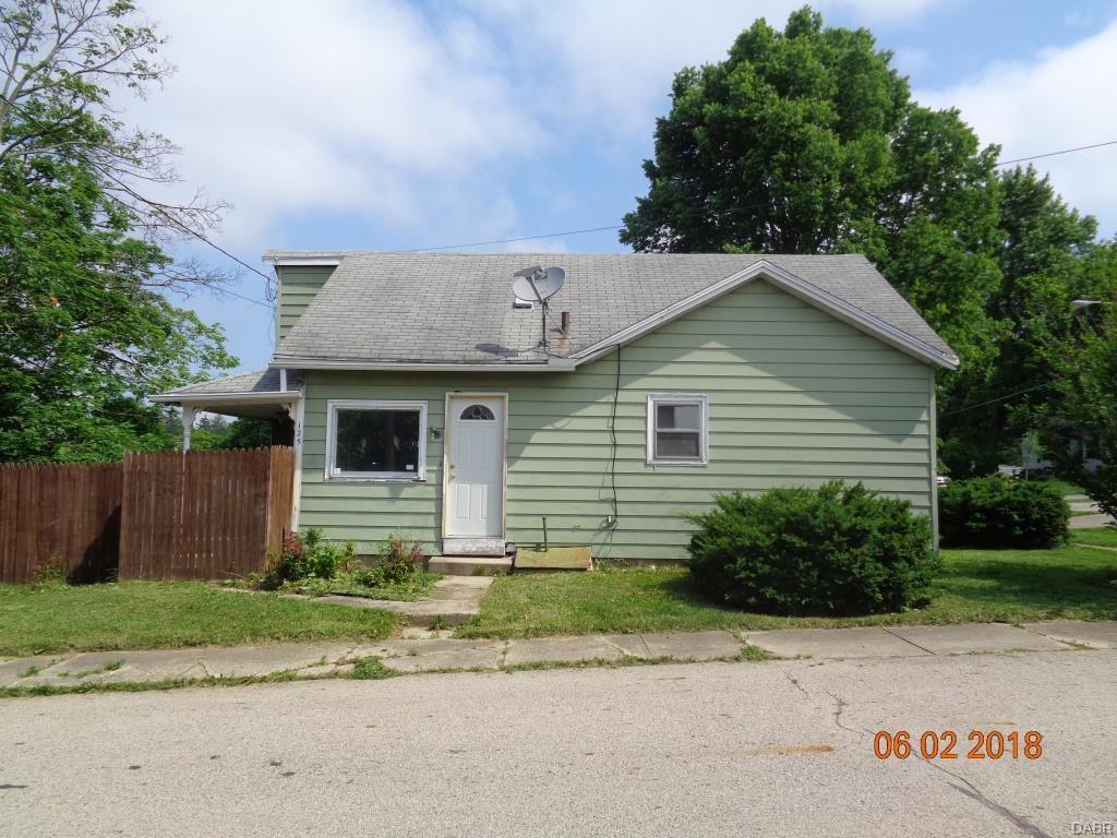 125 E Maple St
