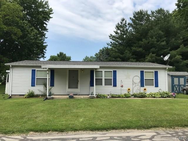 385 Grant St Harveysburg, OH