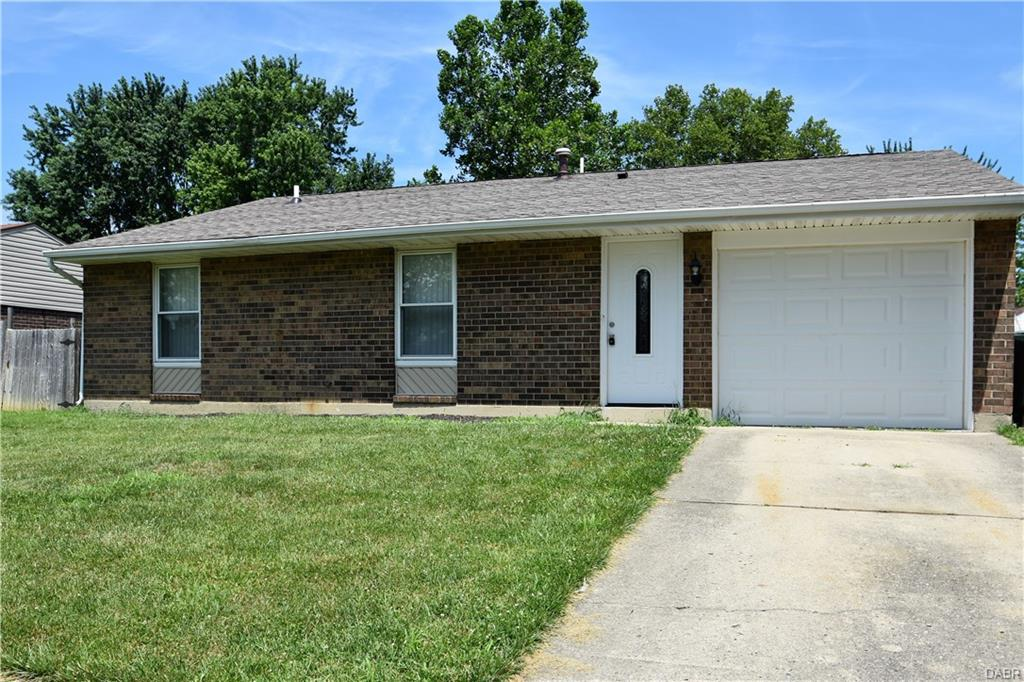 Photo 1 for 6121 Green Knolls Dr Huber Heights, OH 45424