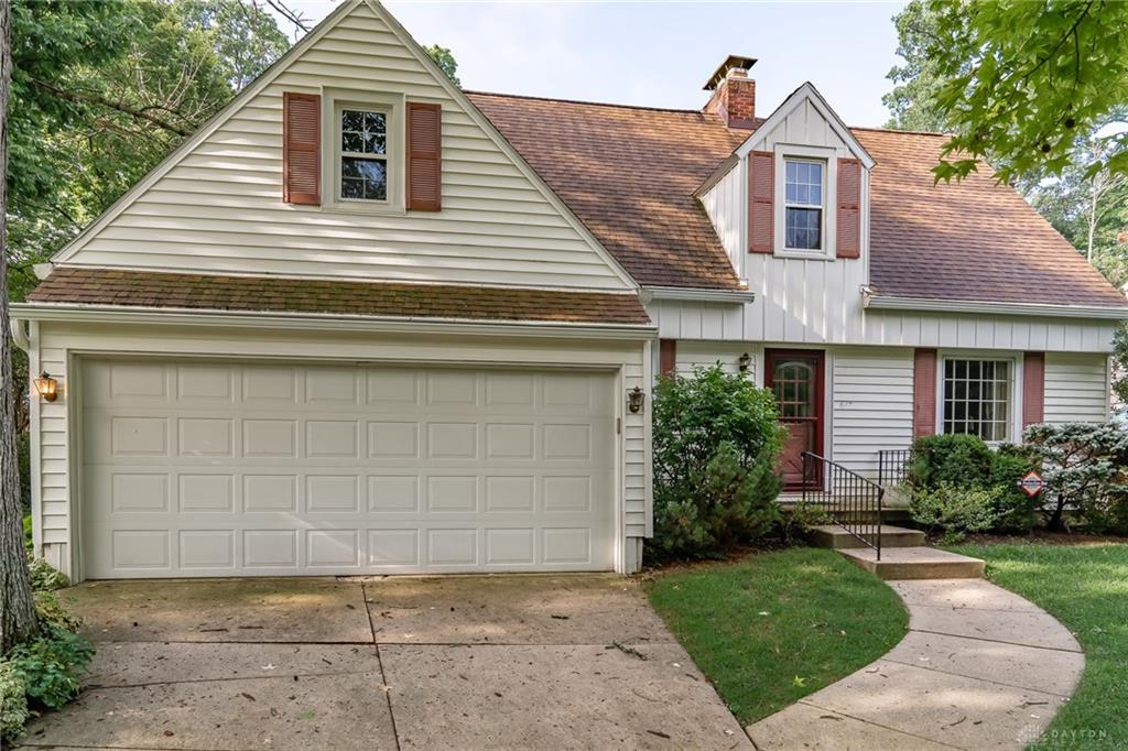 617 S Tanglewood Dr Springfield, OH