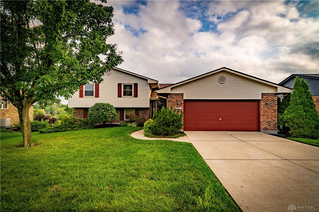 1965 Lord Fitzwalter Dr Miamisburg, OH