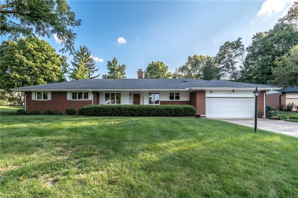 832 Schrubb Dr Kettering, OH