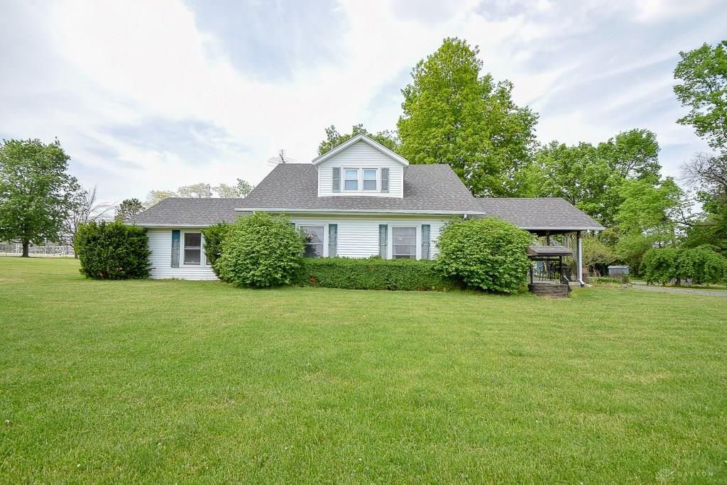 Photo 2 for 6975 W Fred Garland Rd West Milton, OH 45383