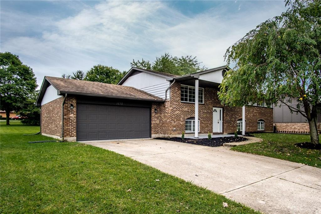 1670 N Laddie Ct Beavercreek, OH