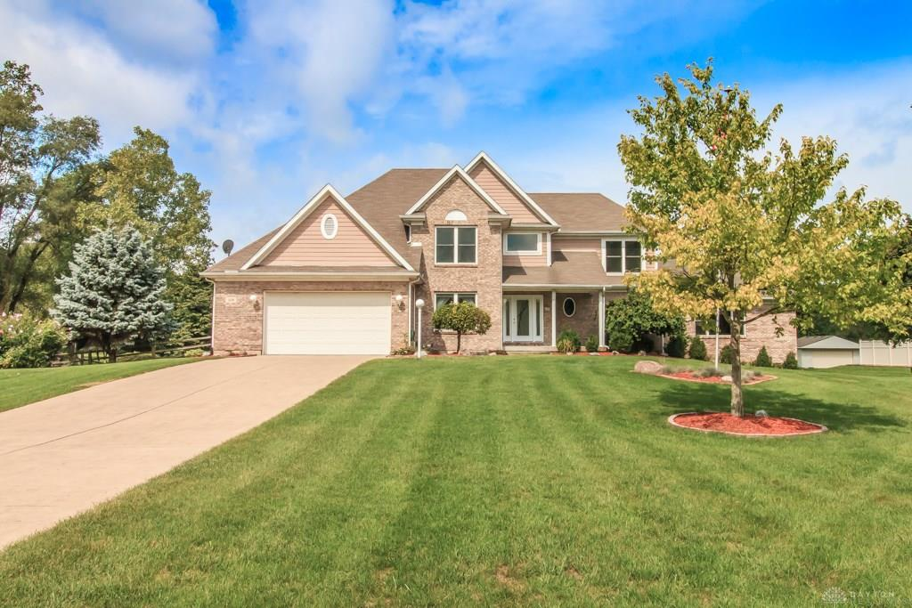 1319 Meadowlands Dr Fairborn, OH