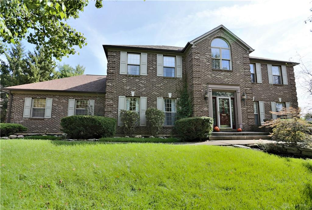 1380 Soaring Heights Dr Sugarcreek Township, OH