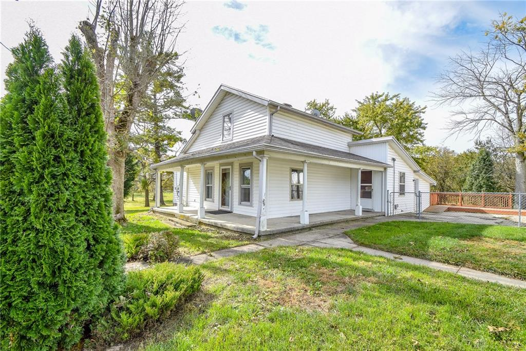 995 Lake Rd Medway, OH