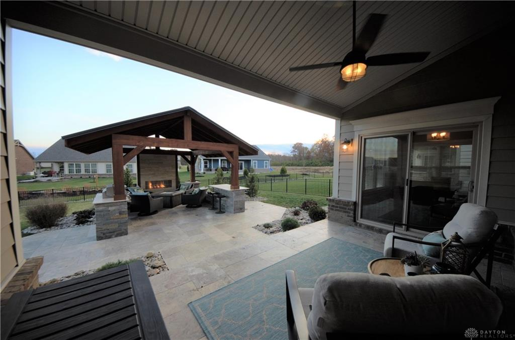1127 Chambrey Ct Clearcreek Township, OH