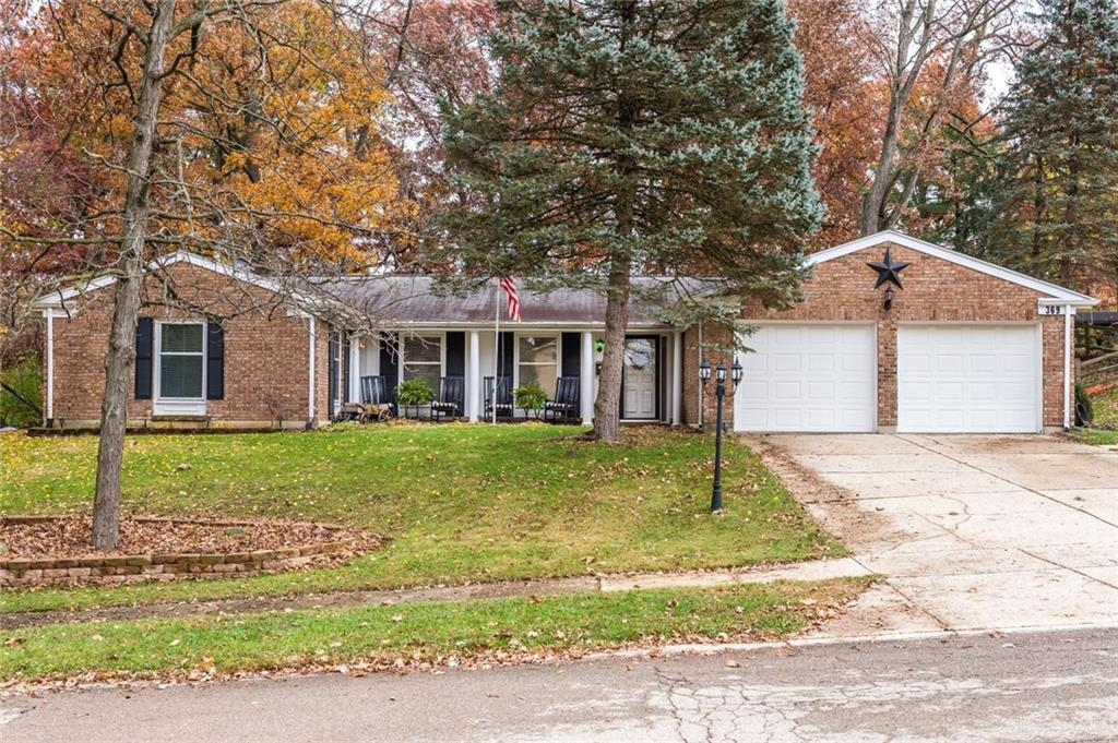369 Forest View Dr Fairborn, OH