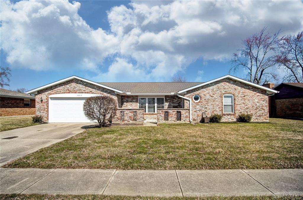4019 Caprice Rd Englewood, OH