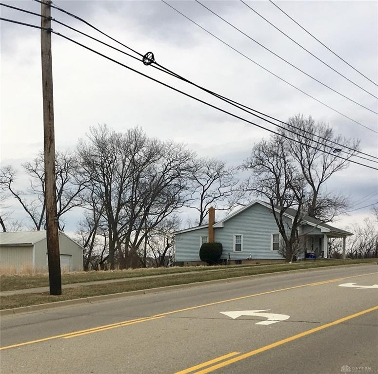 Photo 2 for 2083 Maue Rd Miamisburg, OH 45342