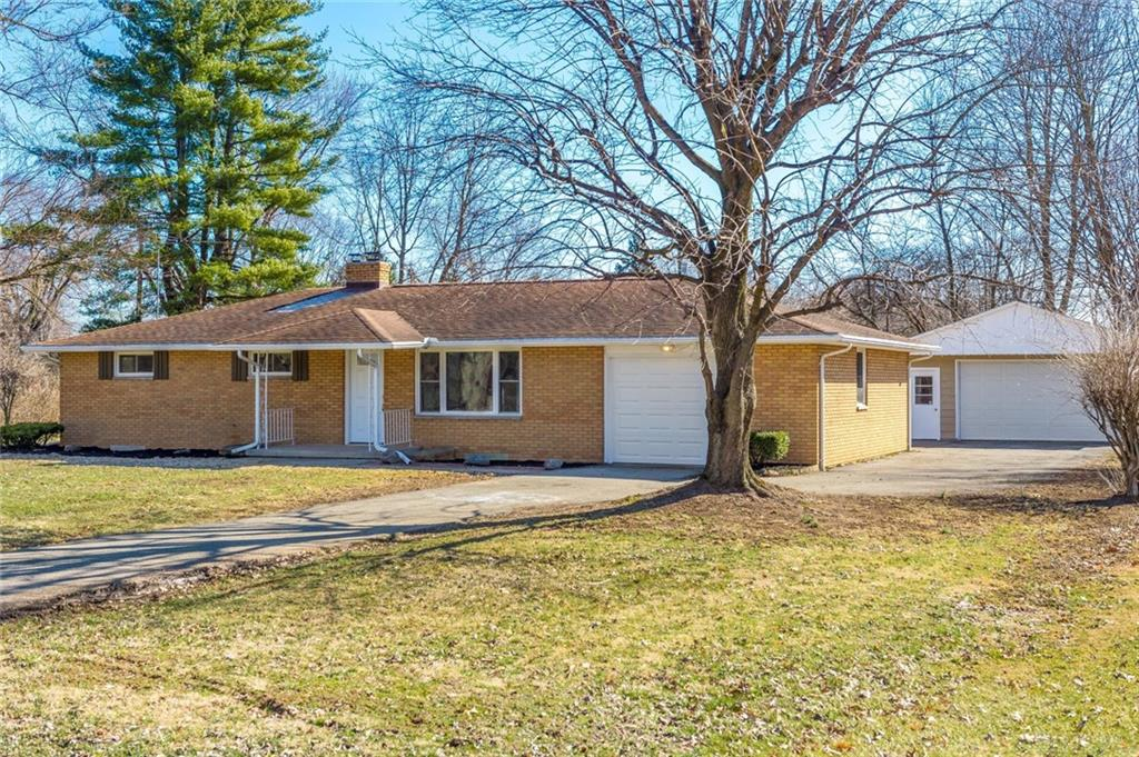 Photo 3 for 3716 Cloverdale Rd Medway, OH 45341