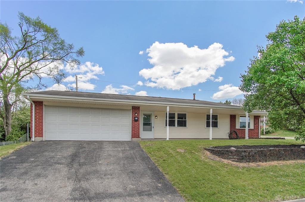 12 Grantwood Dr West Carrollton, OH