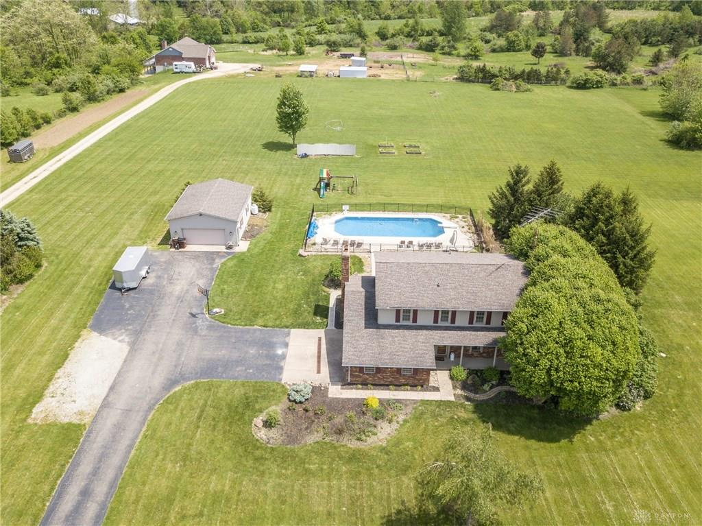 3198 Old Winchester Trl Xenia, OH