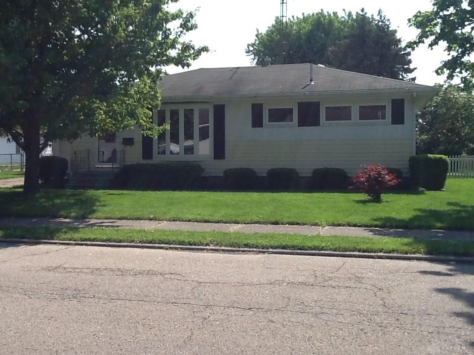 Photo 2 for 633 Meadow Ln Troy, OH 45373