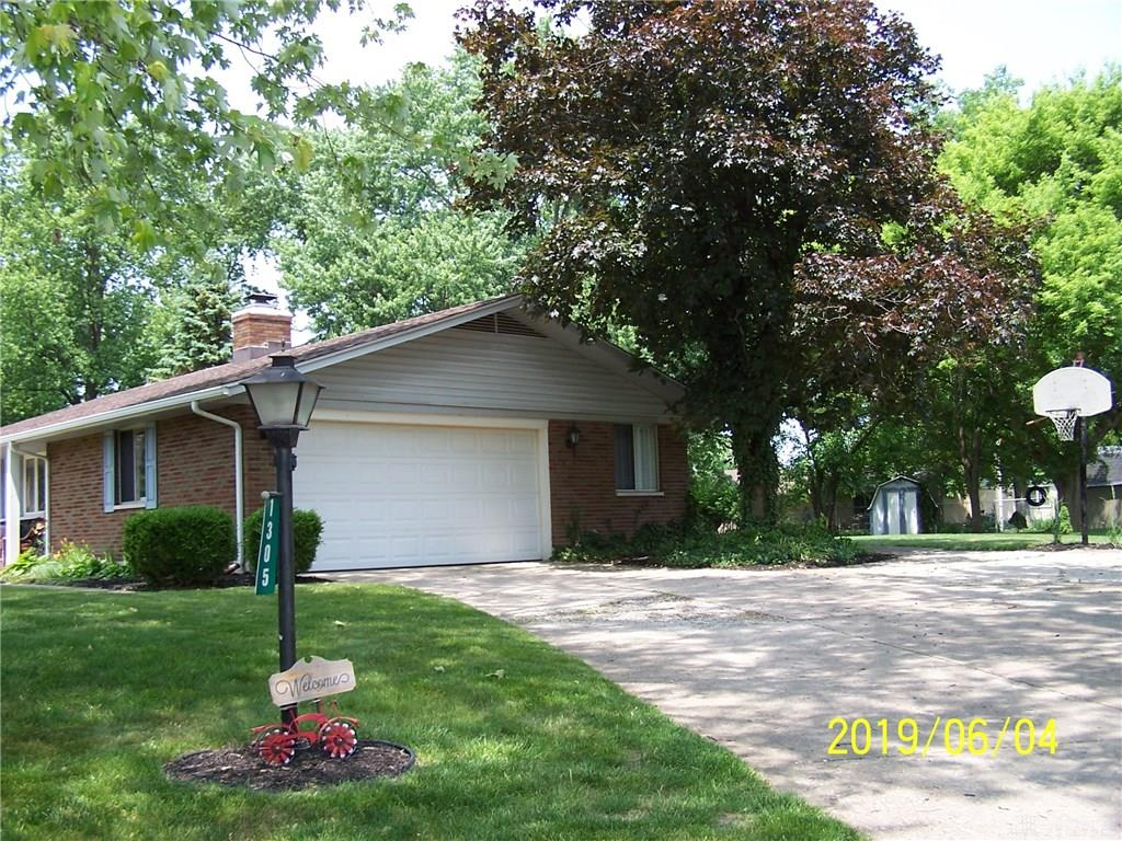 Photo 3 for 1305 Carrilon Woods Dr Centerville, OH 45458