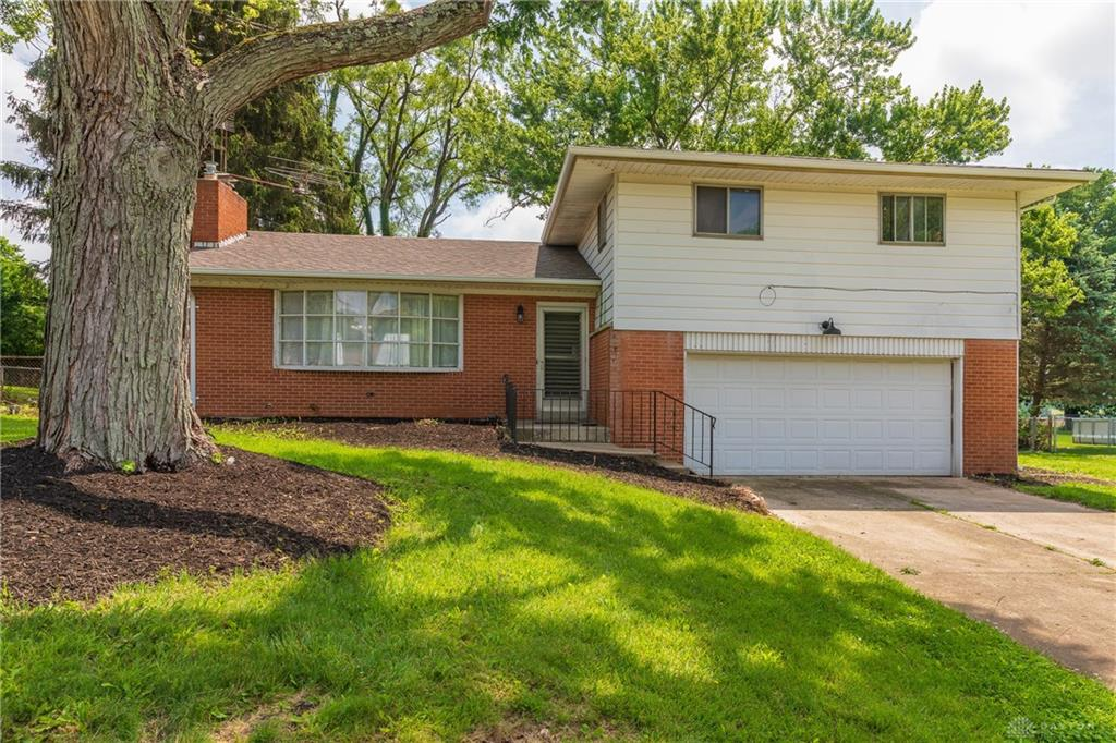 2710 Northbourne Dr Springfield Township, OH