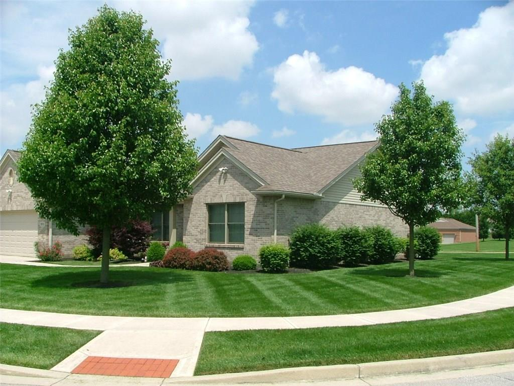 Photo 2 for 301 Miller Ct Englewood, OH 45322