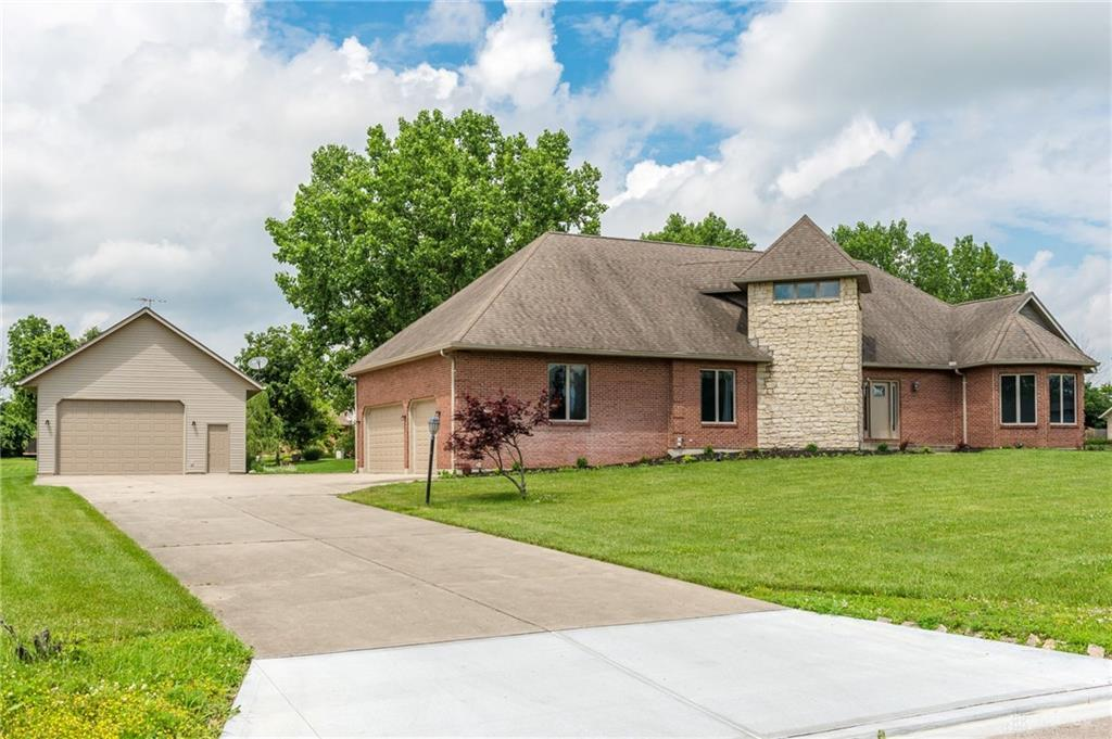 Photo 1 for 1576 Meadowlands Dr Fairborn, OH 45324
