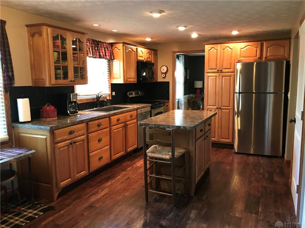 Photo 2 for 7018 Woodcroft Dr Englewood, OH 45322