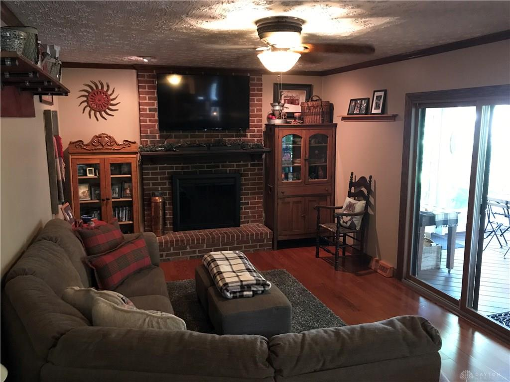 Photo 3 for 7018 Woodcroft Dr Englewood, OH 45322