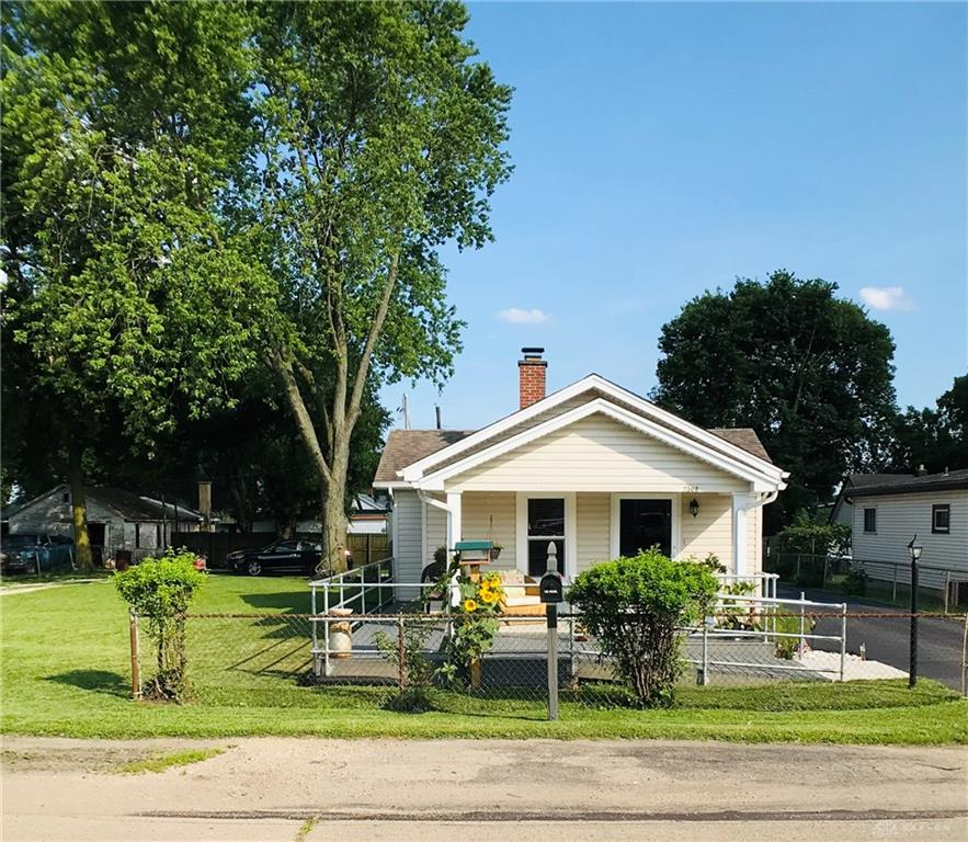 2508 Valley Pike Riverside, OH