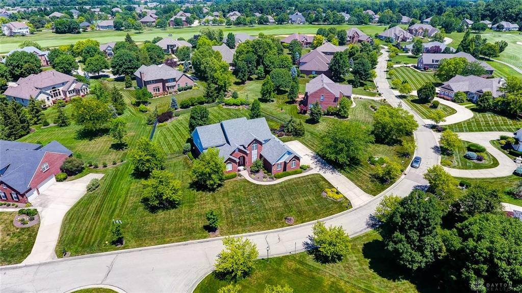 1229 Waters Edge Dr Centerville, OH