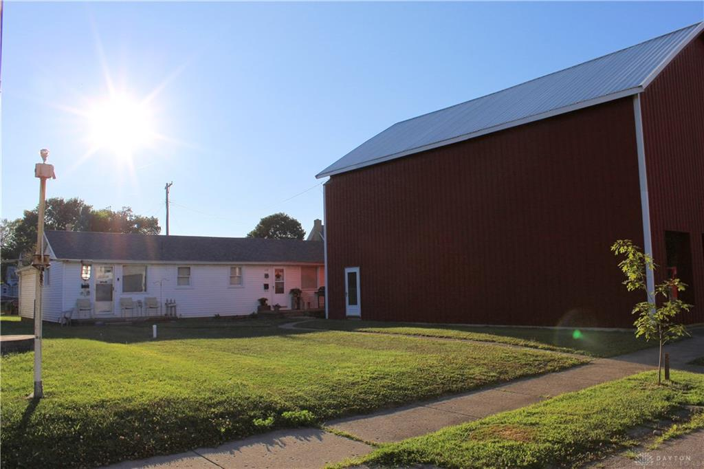 133 S Main St Somers Twp, OH