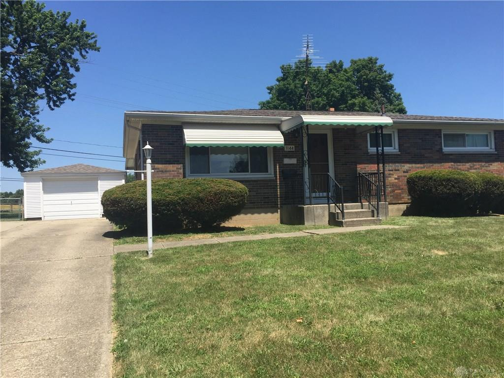 Photo 2 for 1144 Ferndale Ln Springfield, OH 45503