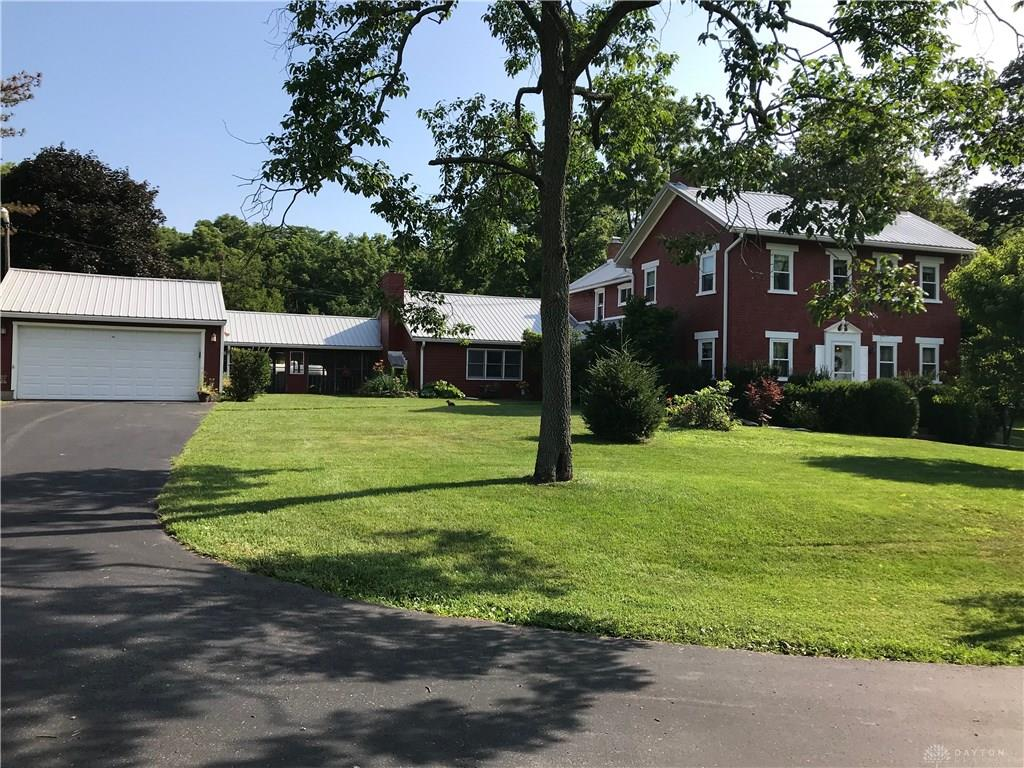 Photo 2 for 8211 N Diamond Mill Rd Clay Twp, OH 45315