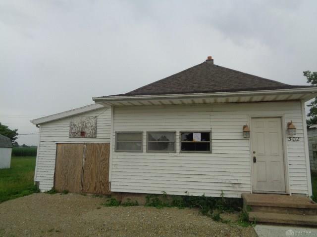 302 Eaton St College Corner, OH