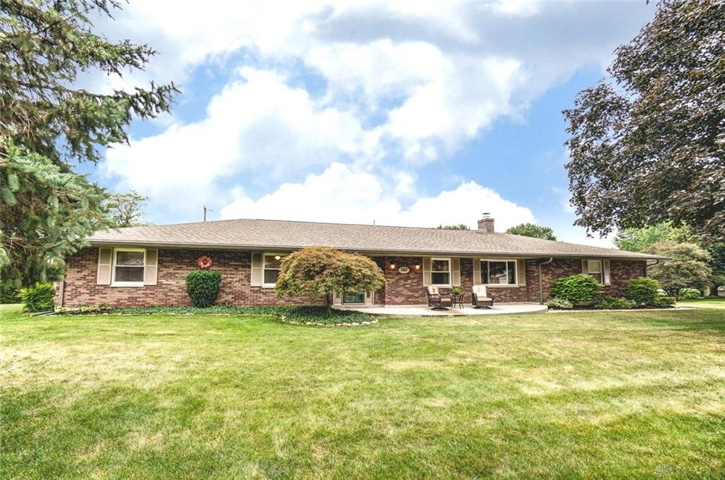 Photo 2 for 560 Chipplegate Dr Centerville, OH 45459