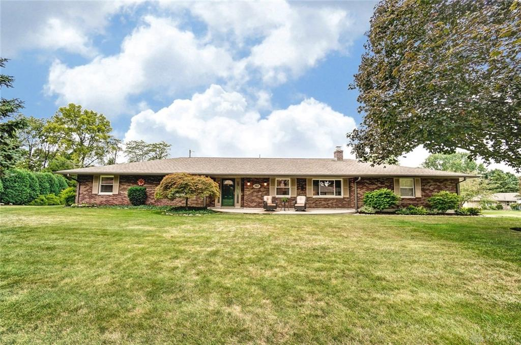 Photo 3 for 560 Chipplegate Dr Centerville, OH 45459