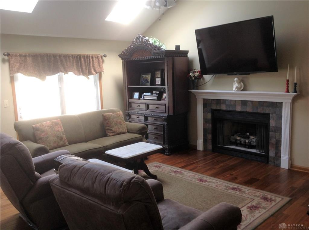 Photo 2 for 1384 Sugar Maple Dr Greenville, OH 45331