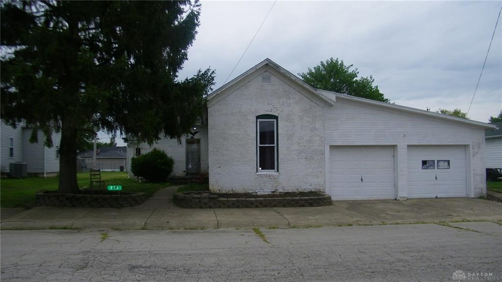 223 Maple St West Manchester, OH