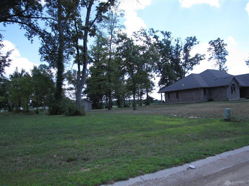 Photo 3 for 5764 Hillgrove Cir, 3 Fairborn, OH 45324