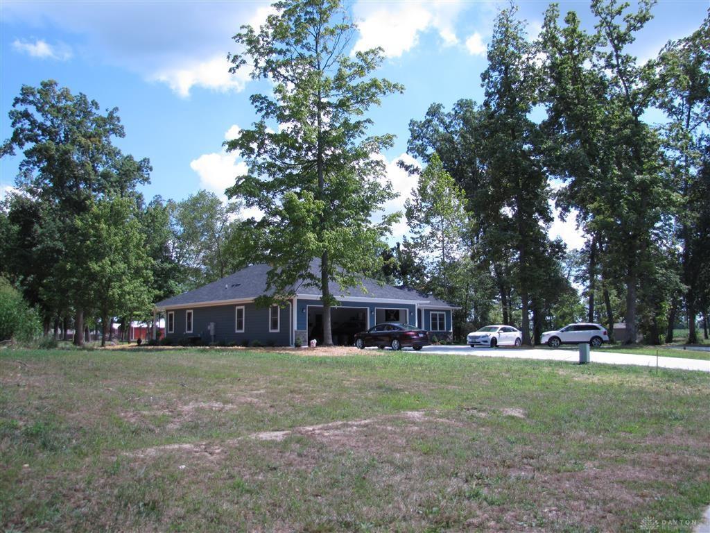 Photo 3 for 5730 Hillgrove Cir, 5 Enon, OH 45324