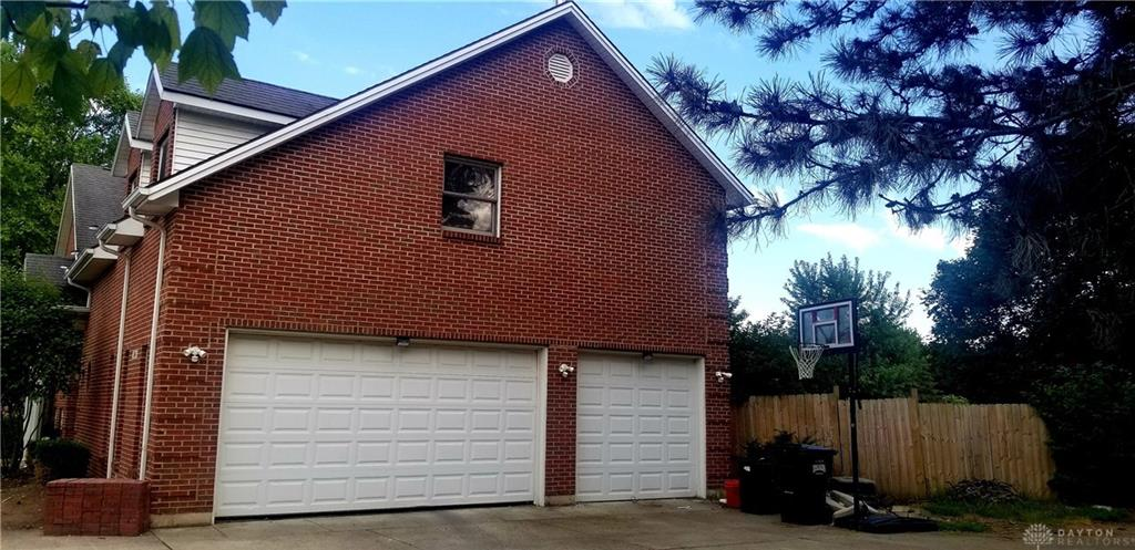 Photo 3 for 104 Redbud Ct Greenville, OH 45331
