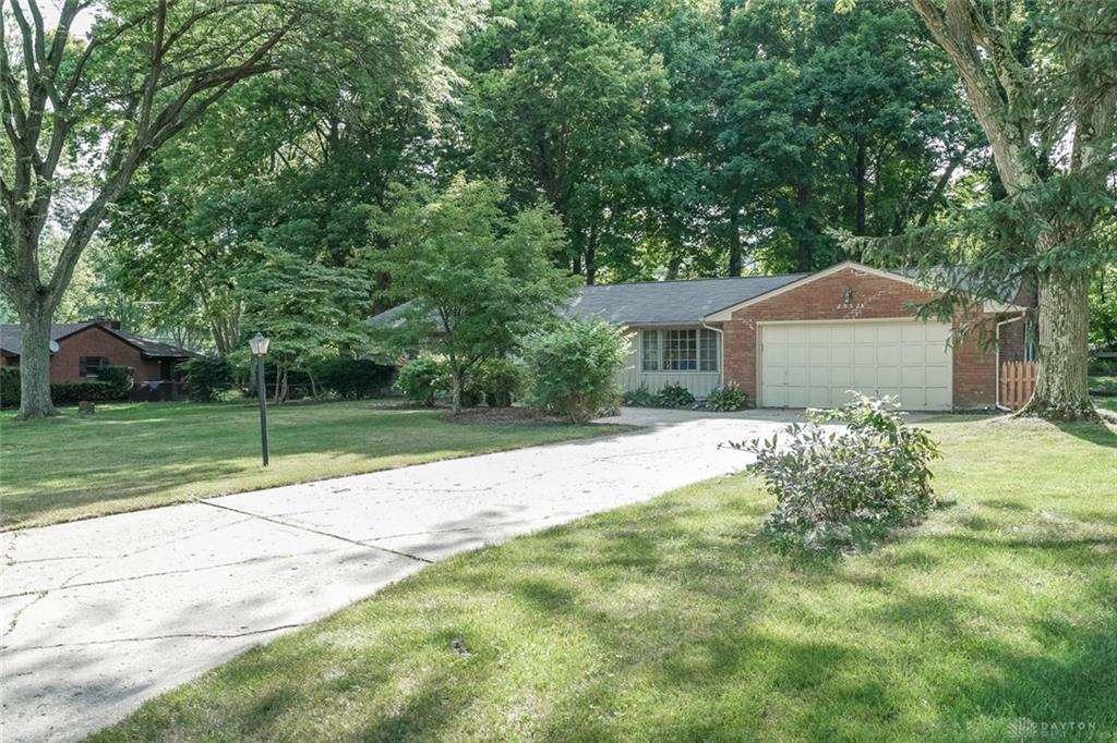 Photo 2 for 2552 Marscott Dr Centerville, OH 45440