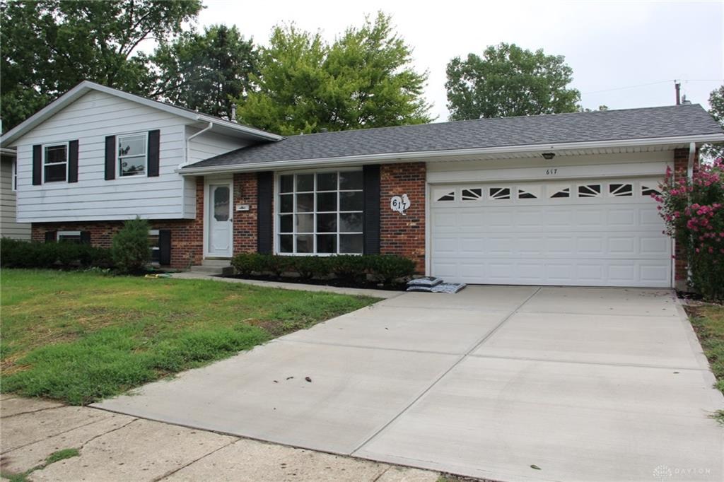 Photo 3 for 617 Carriage Dr Troy, OH 45373