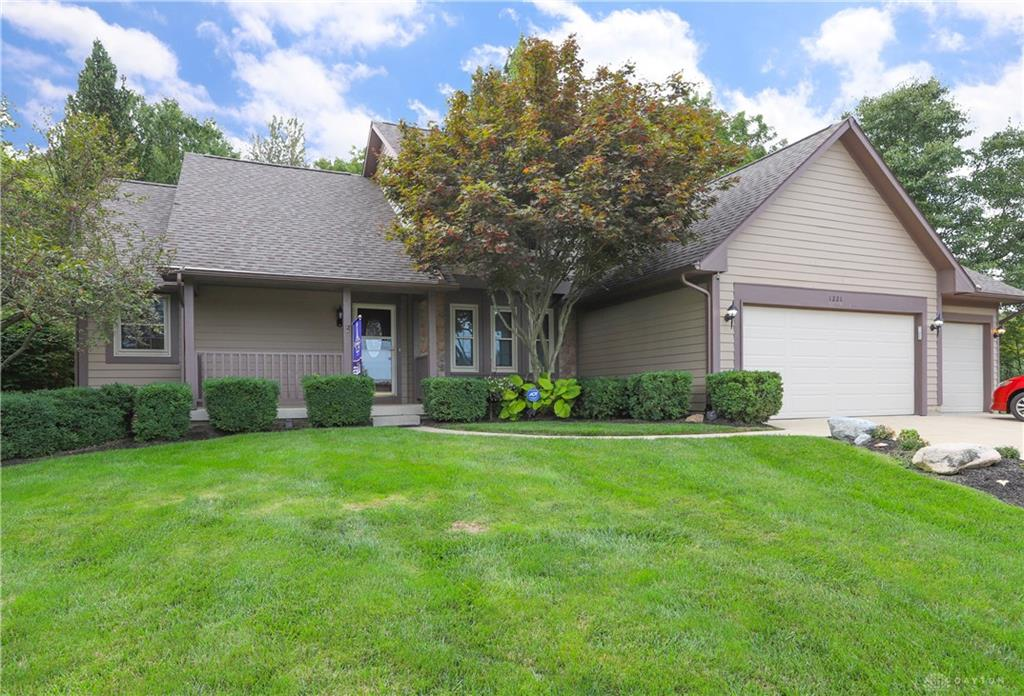 1221 Amberwood Ct Bellbrook, OH