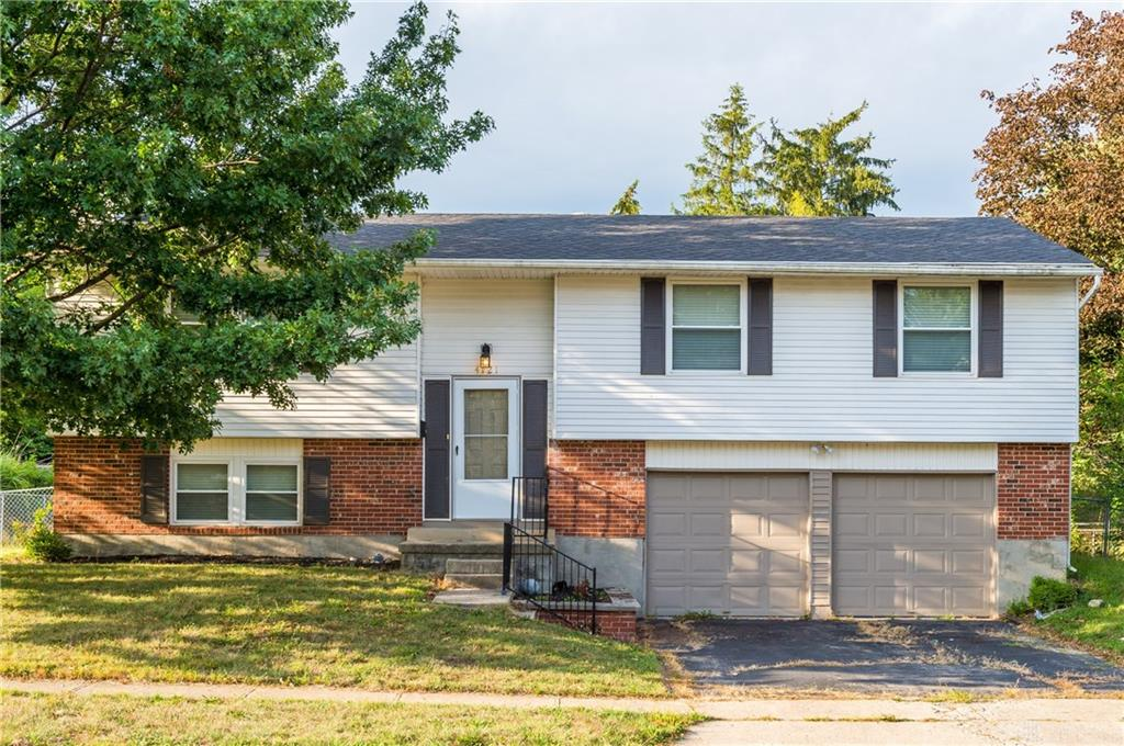 Photo 2 for 4121 Spruce Pine Ct Huber Heights, OH 45424