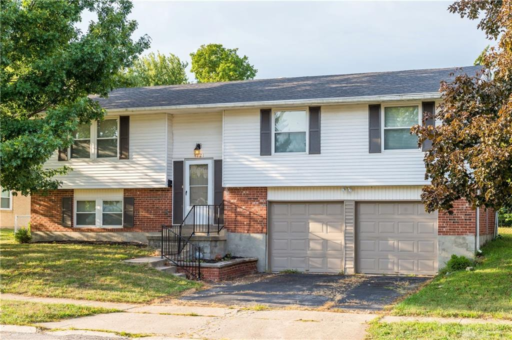 Photo 3 for 4121 Spruce Pine Ct Huber Heights, OH 45424