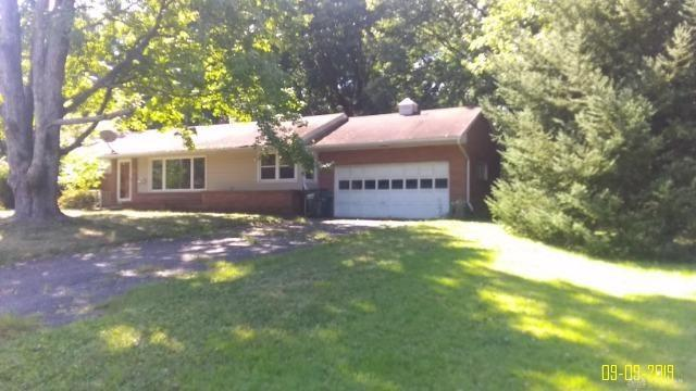 815 SE Pineview Canton, OH
