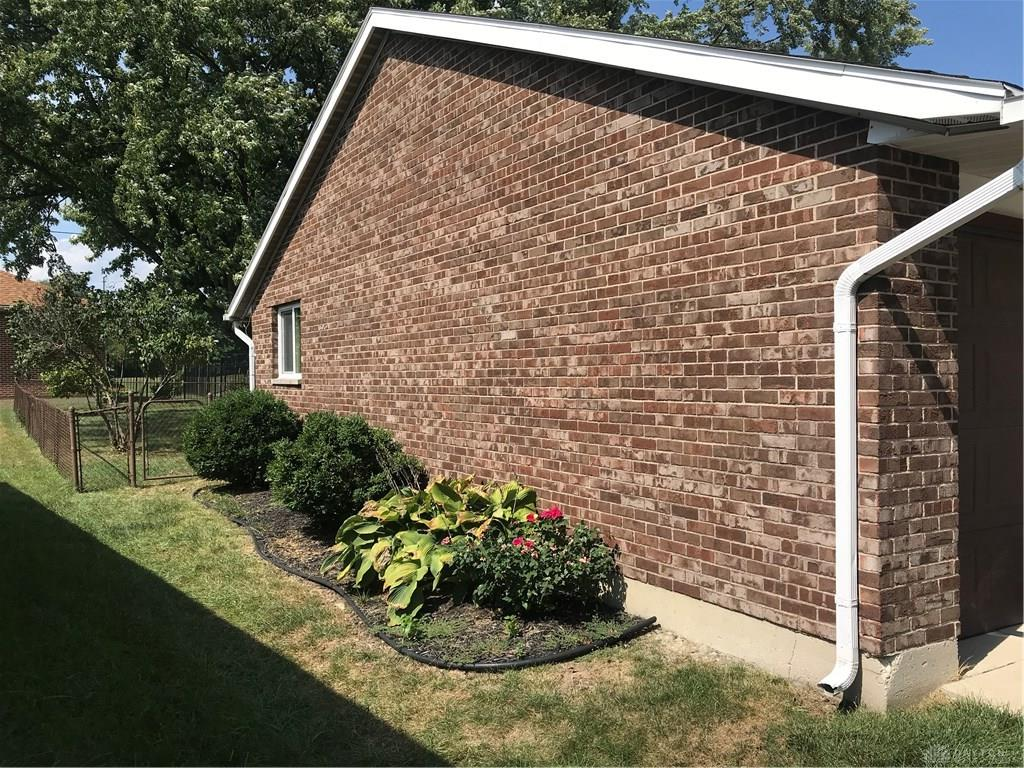 Photo 3 for 1127 Angiers Dr Jefferson Township, OH 45417