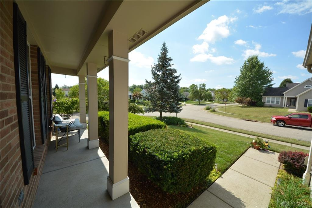 Photo 2 for 698 Willow Pond Ct Hamilton Township, OH 45039