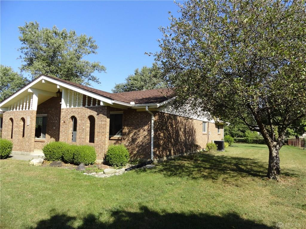 Photo 2 for 2158 Northern Dr Beavercreek, OH 45431