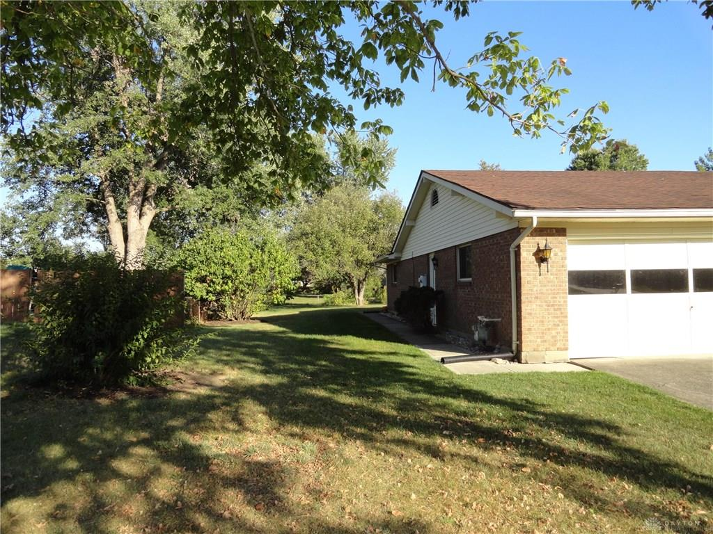 Photo 3 for 2158 Northern Dr Beavercreek, OH 45431